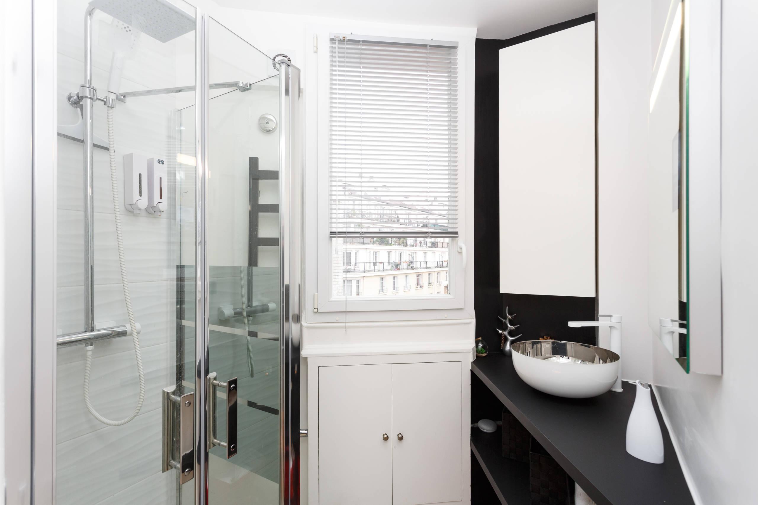 Comment aménager une salle de bain XXS ?