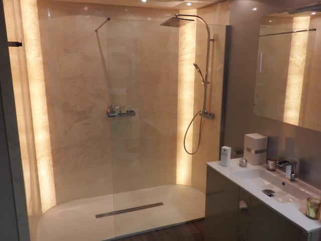 D cor marbr couleur cr me moderne salle de bain for Salle de bain moderne couleur