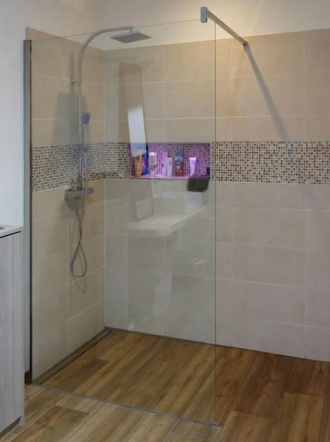 Douche Italienne, Carrelage Aspect BoisContemporary Bathroom, Lille