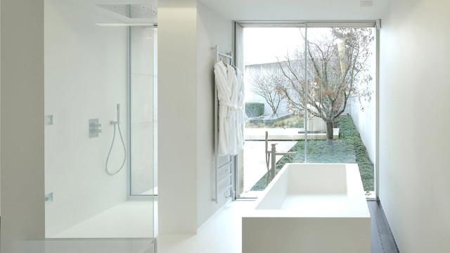 Habillage de salle de bains - Baignoire et douche - Modern - Bathroom ...