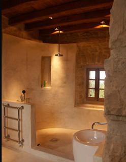 Int rieur mediterranean bathroom montpellier by for Dep decoration interieur