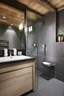 Salle de bain avec carrelage et peinture : Photos et idées déco