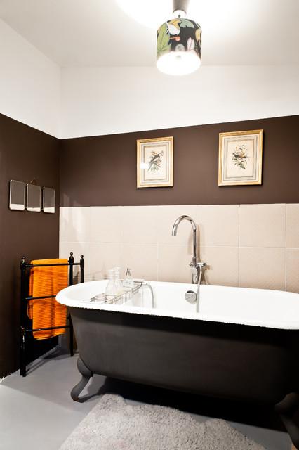 Modelo de cuarto de baño principal ecléctico