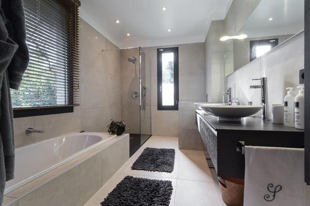 Maison d 39 architecte contemporain salle de bain nice par franck minieri photographer - Salle de bain architecte d interieur ...