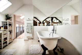 Salle de bain avec carrelage imitation parquet : Photos et ...