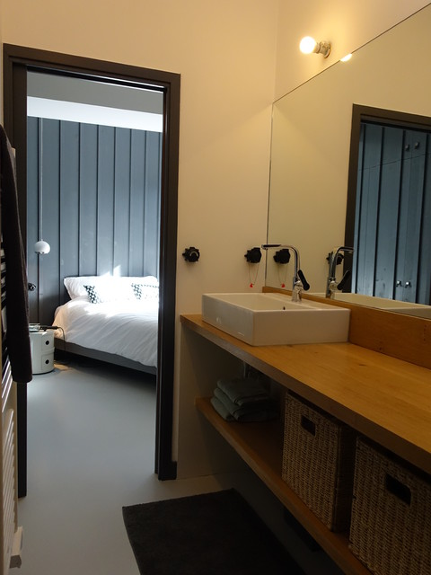 maison le bois plage salle de bain nantes par lionel coutier architecte. Black Bedroom Furniture Sets. Home Design Ideas