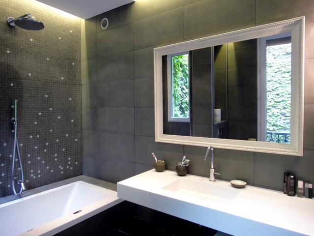Maison XVIIIème arrondissement de Paris contemporary-bathroom