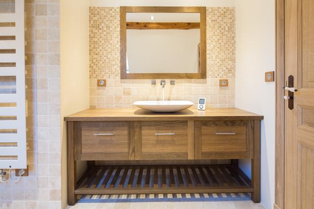 Menthon saint bernard classique chic salle de bain - Salle de bain classique chic ...