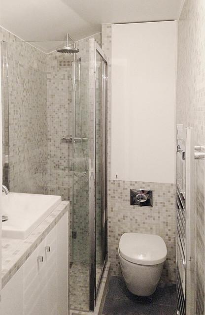 Micro cuisine et salle de douche - Contemporain - Salle de Bain ...