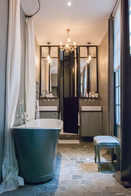porte de douche et miroirs en m tal montagne salle de bain paris par les ateliers du 4. Black Bedroom Furniture Sets. Home Design Ideas