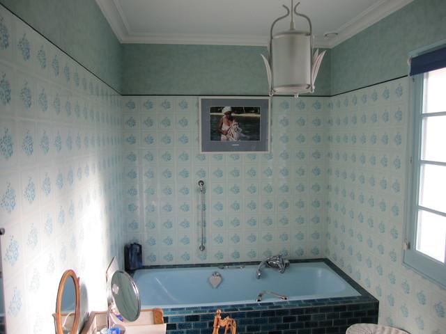 Relooking d 39 une salle de bain contemporary bathroom - Decorer salle de bain ...