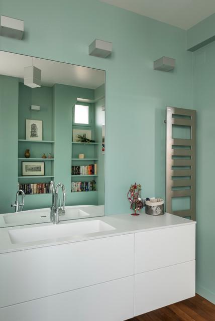 r novation appartement ann es 30 moderne salle de bain paris par decorexpat. Black Bedroom Furniture Sets. Home Design Ideas