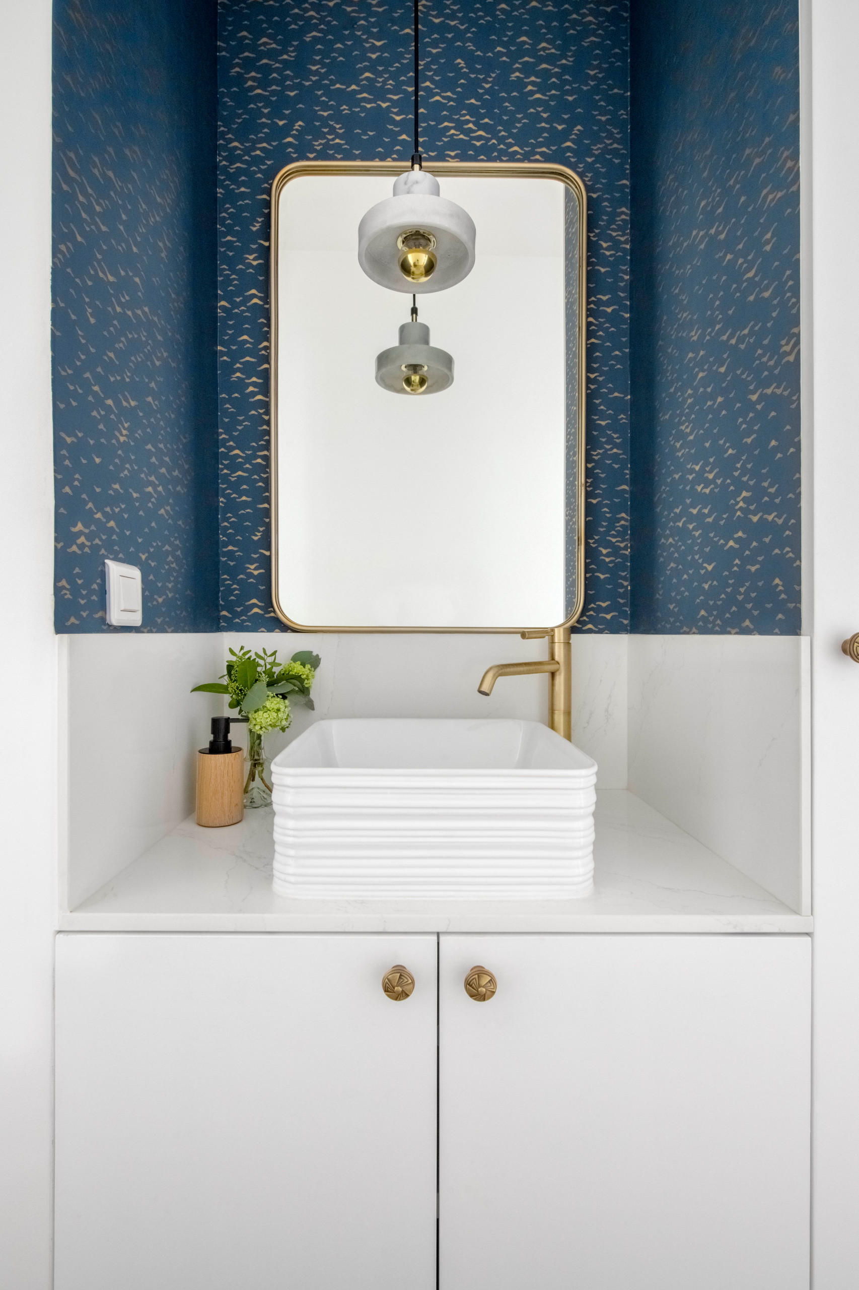 75 Beautiful Wallpaper Bathroom Pictures Ideas February 2021 Houzz