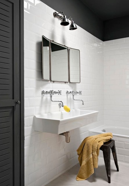 R novation d 39 une maison des ann es 80 contemporary bathroom montpel - Renovation maison annee 80 ...