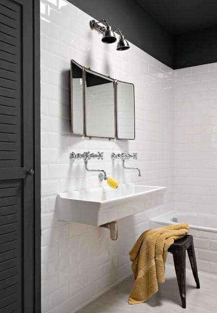 R novation d 39 une maison des ann es 80 contemporain - Salle de bain toute blanche ...