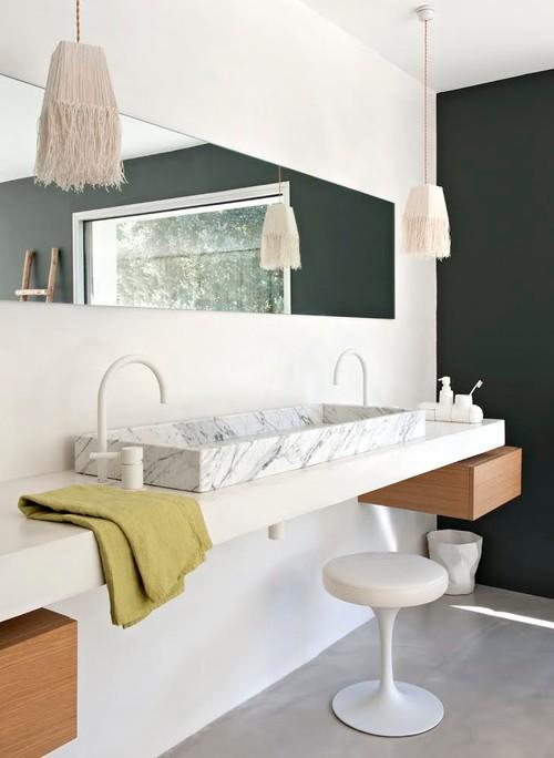 Pour ou contre la salle de bains en marbre ?