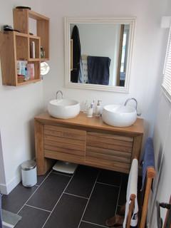 R novation d 39 une maison individuelle sanary sur mer - Salle de bain blanche et bois ...