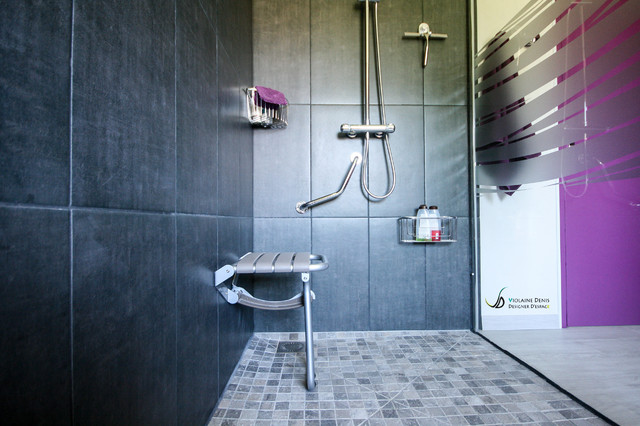 r novation d 39 une salle de bain accessibilit pmr modern bathroom. Black Bedroom Furniture Sets. Home Design Ideas