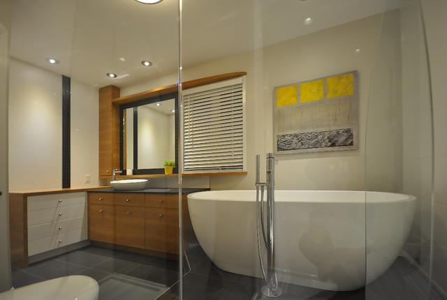 R novation de salle de bain contemporary bathroom for Renovation salle de bain montreal