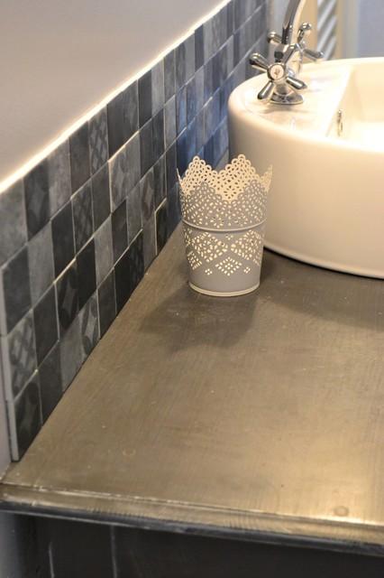 Rénovation salle d\'eau style campagne chic - Romantique - Salle de ...