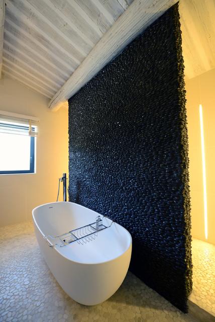 rexa design contemporain salle de bain marseille par et pourquoi pas by john. Black Bedroom Furniture Sets. Home Design Ideas