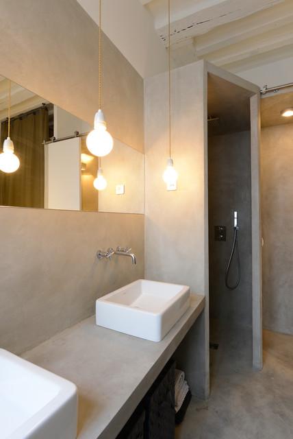 Rue de Cler contemporary-bathroom