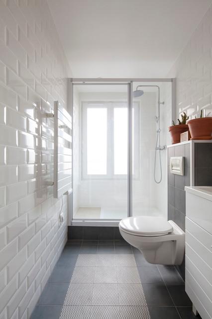 salle d\'eau étroite avec grande douche - Contemporary - Bathroom ...