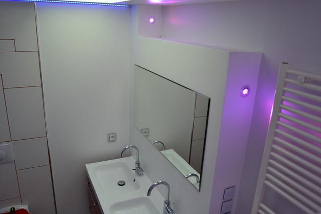 eclairage salle de bain led id es de. Black Bedroom Furniture Sets. Home Design Ideas