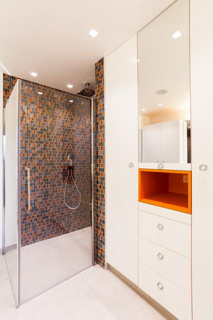 salle de bain r tro cr ation d 39 une maison. Black Bedroom Furniture Sets. Home Design Ideas