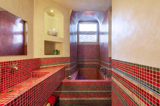 Aménagement Du0027une Salle De Bain Principale Méditerranéenne De Taille  Moyenne Avec Un Carrelage Multicolore