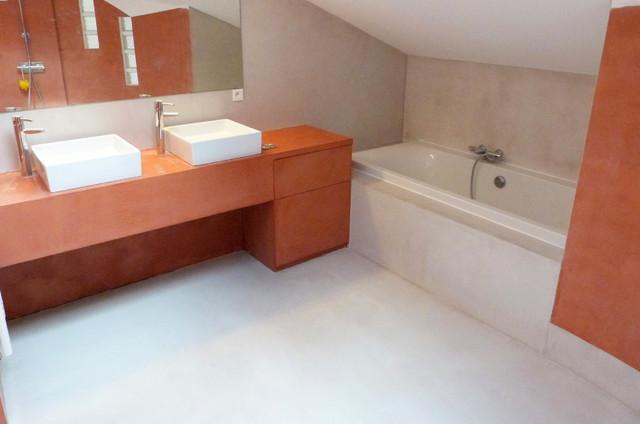 sallede bain bicolore en r sine b ton cir contemporain salle de bain lille par variance. Black Bedroom Furniture Sets. Home Design Ideas