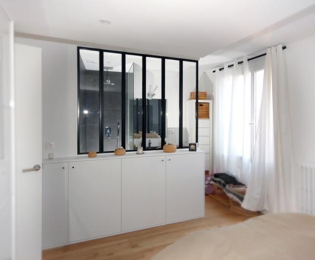 Transformer les combles moderne salle de bain paris par studio d 39 - Transformer garage en cuisine ...