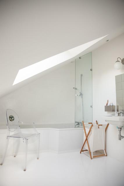 une salle de bain ton sur ton contemporain salle de bain paris par mllm architecte d. Black Bedroom Furniture Sets. Home Design Ideas