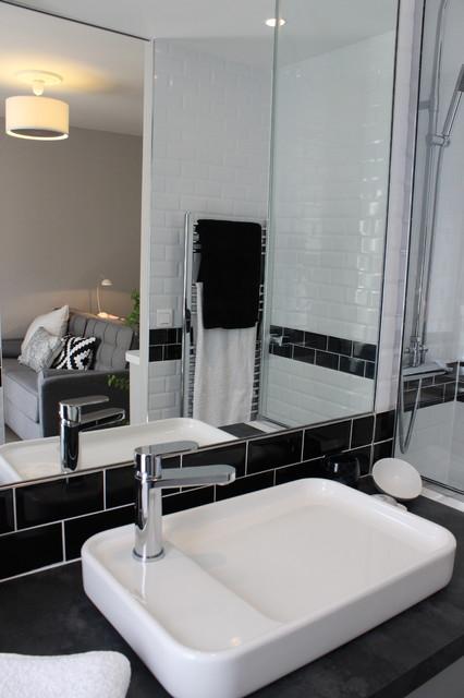 Zoom sur la salle d\'eau de moins de 3m2 - Contemporary ...