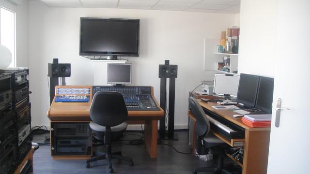 chambre studio d 39 enregistrement. Black Bedroom Furniture Sets. Home Design Ideas