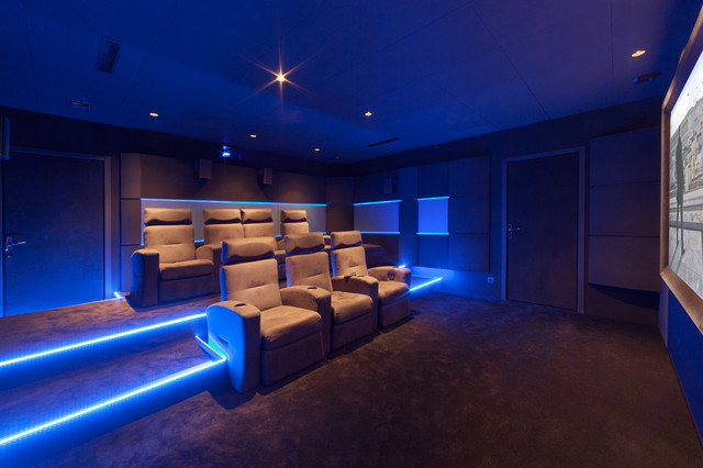salle de cinema priv sur mesure contemporain salle de cin ma marseille par dynamic home. Black Bedroom Furniture Sets. Home Design Ideas