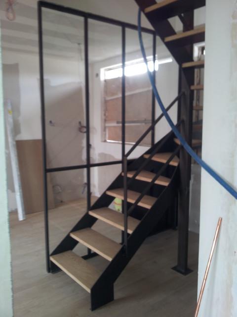 amenagement d 39 un appartement escalier verriere et mobiliers. Black Bedroom Furniture Sets. Home Design Ideas