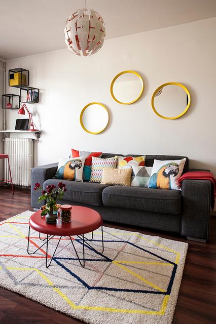 Petit budget comment relever sa d co de salon avec des coussins - Decoration au dessus d un bahut ...