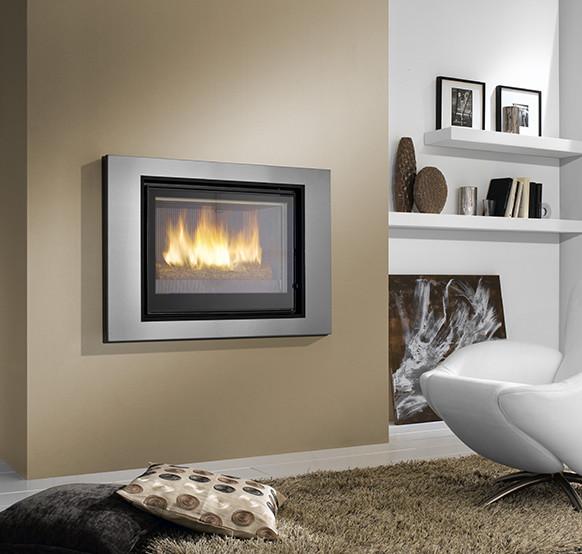 cheminee swann de turbo fonte moderne salle de s jour bordeaux par turbo fonte pessac. Black Bedroom Furniture Sets. Home Design Ideas