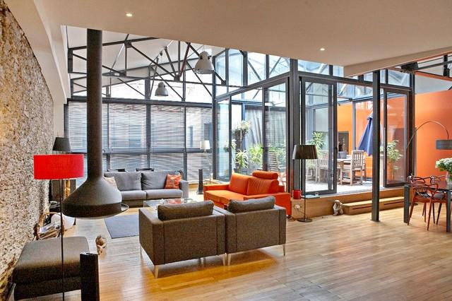 loft avec patio en plein coeur de nantes. Black Bedroom Furniture Sets. Home Design Ideas