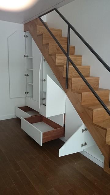mezzanine escalier garde corps et sous escalier meuble pour hifi et cd moderne salle de. Black Bedroom Furniture Sets. Home Design Ideas