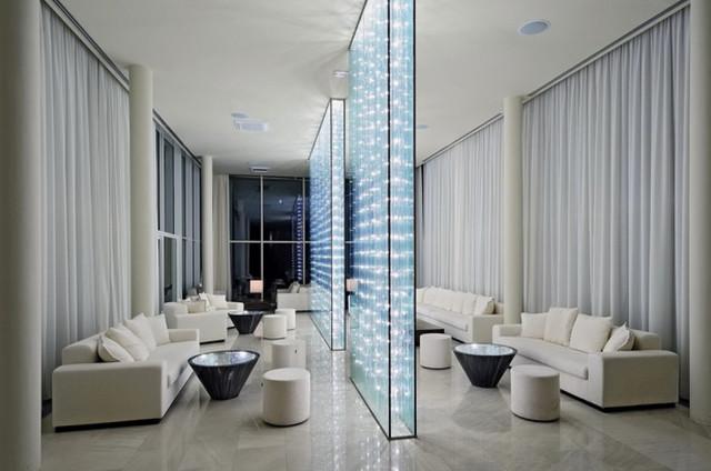 murs de s paration lumineux moderne salle de s jour autres p rim tres par les artisans. Black Bedroom Furniture Sets. Home Design Ideas