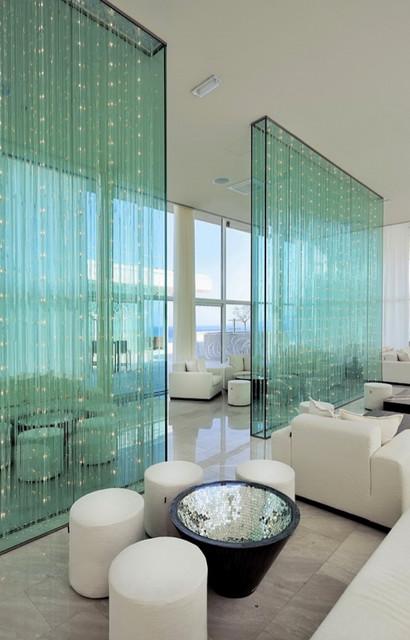 murs de s paration lumineux moderne salle de s jour grenoble par les artisans du lustre. Black Bedroom Furniture Sets. Home Design Ideas
