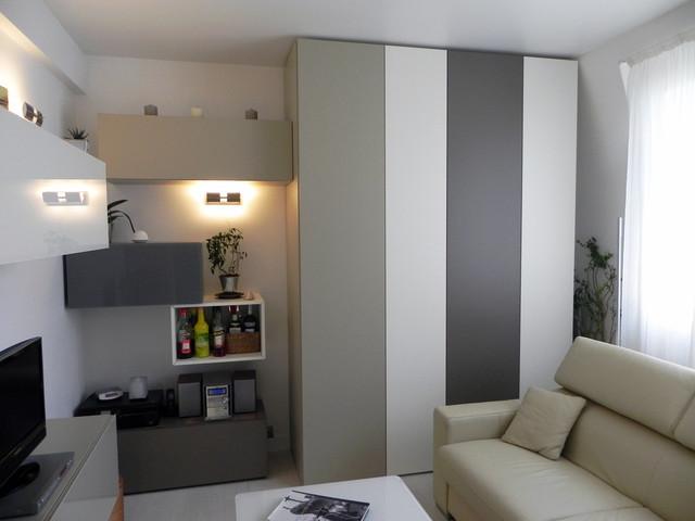 petit appartement de 40m2 cuisine entr e salon dressing contemporain salle de s jour. Black Bedroom Furniture Sets. Home Design Ideas