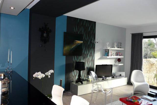 r novation compl te d 39 une entr e cuisine ouverte sur salon contemporary family room. Black Bedroom Furniture Sets. Home Design Ideas