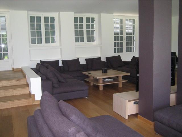 renovation d 39 une long re normande contemporain salle de s jour autres p rim tres par. Black Bedroom Furniture Sets. Home Design Ideas