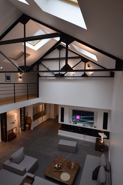 transformation d 39 un garage en loft a la madeleine industriel salle de s jour lille par. Black Bedroom Furniture Sets. Home Design Ideas