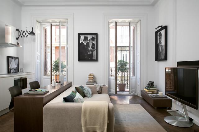 Decoraci n de apartamento para alquilar en madrid retro sal n madrid de elena visiers - Houzz salones ...