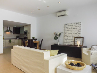Home staging muebles de cart n moderno sal n - Home staging valencia ...