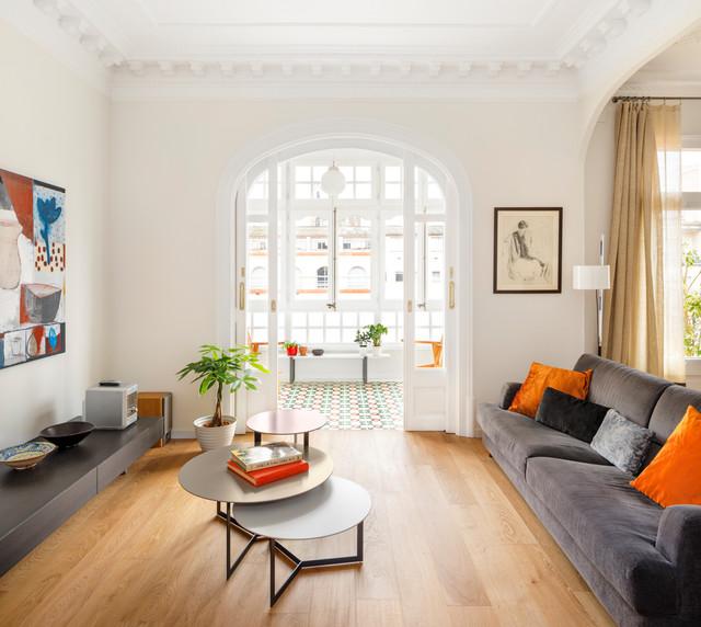 Reforma Salón en Vivienda contemporary-living-room